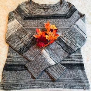 EDDIE BAUER ** Knit Sweater